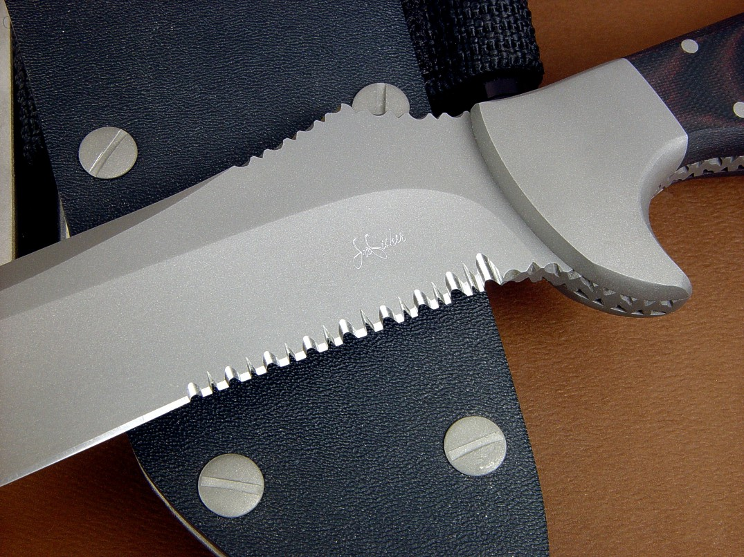 """Piranha"" serrations on ""Arctica"" combat, search and rescue professional knife blade"