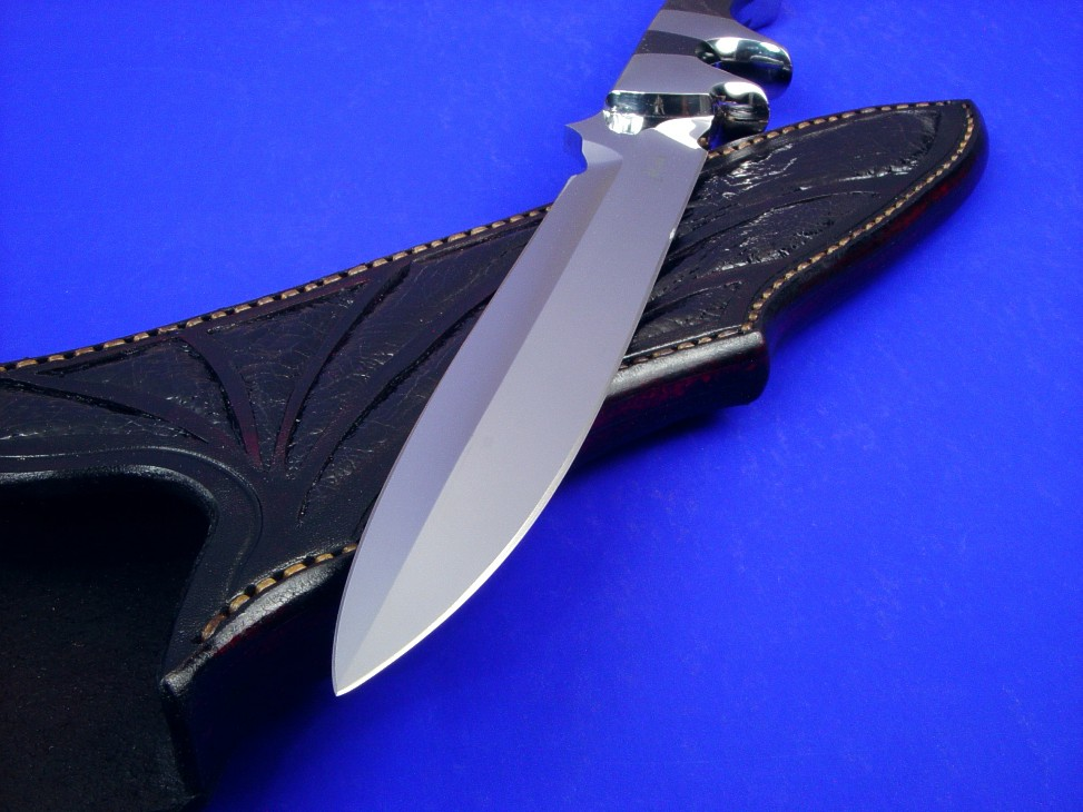 """Vespula"" point detai: 440C high chromium stainless steel blade, 304 stainless steel bolsters, Australian Black Jade gemstone handle, Ostrich leg skin inlaid in hand-carved leather sheath"
