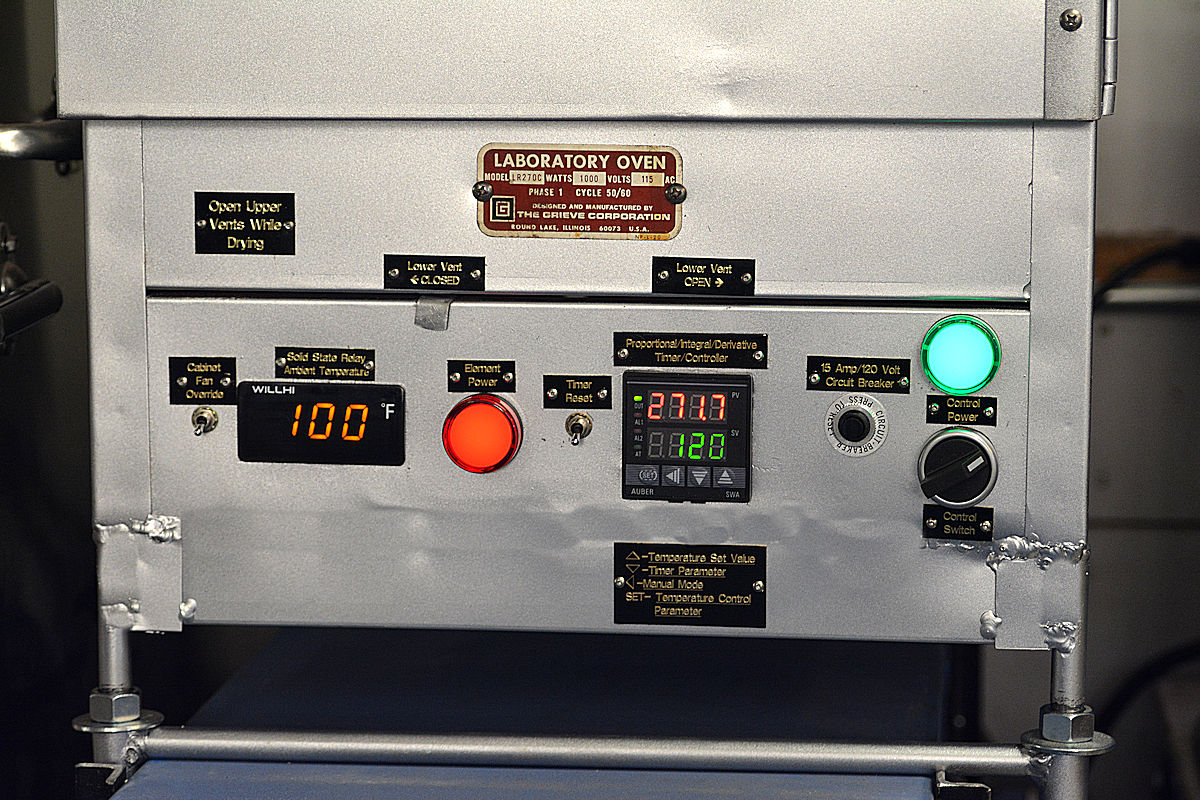 Drying/Tempering oven control panel, chassis. This is a specially modified laboratory oven with high accuracy controls