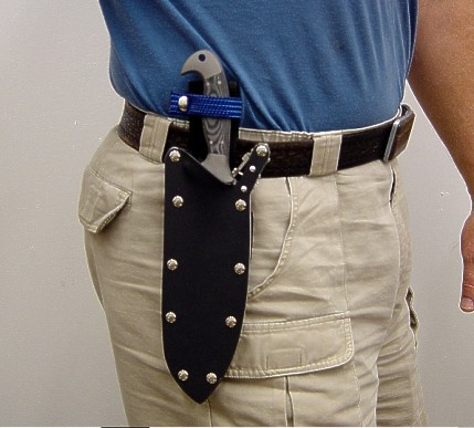 Wearing the locking knife sheath belt loop extender