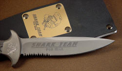 """Macha"" blade engraving close up detail. Note also ""vampire"" rip teeth serrations"