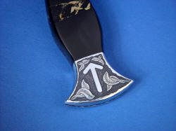 """Vesta"" black rune dagger, reverse side rear bolster engraving detail, rune for Justice, victory by law"