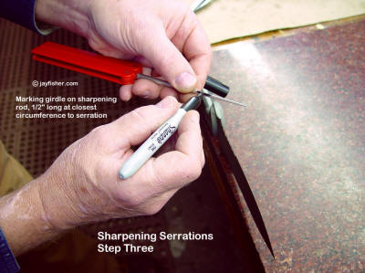 Sharpening knife blade serrations, marking the location of the sharpening rod